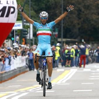 Tre Valli Varesine 2015 - Busto Arsizio - Varese 198 km - 30/09/2015 - Vincenzo Nibali (Astana) - foto Roberto Bettini/BettiniPhoto©2015